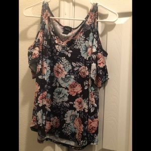 Rue 21 floral large top